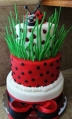 Ladybug Cake - by Susan @ CakesDecor.com - cake decorating website