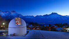 Kalouti Observatory at Aiglon College, Chesières-Villars, Switzerland. Ski, College Campus, International School, Swiss Alps, Im In Love, Midnight Blue, Outdoor Gear, Switzerland, Cities