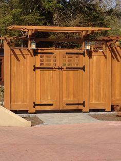 Beautiful craftsman gate