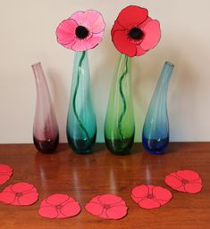 Vase Remembrance Day Craft There are lots of crafts that you can make in order to make this day a good one. Here are the 9 best and easy remembrance day crafts and craft ideas for Poppy Craft For Kids, Crafts For Kids, Arts And Crafts, Paper Crafts, Poppy Template, Flower Template, Poppy Wreath, Remembrance Day Poppy, Craft Club
