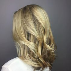 8 Golden Blonde with Rooty Base