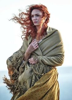 Eleanor Tomlinson as Demelza in Poldark ~ PBS Masterpiece. Poldark 2015, Demelza Poldark, Poldark Series, Ross Poldark, Poldark Actors, Bbc Poldark, Ross And Demelza, Aidan Turner Poldark, Elfa