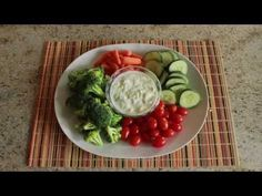 Learn how to make a cool and healthy dip to eat with your favorite vegetables: