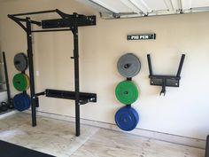 home gym design Home Gym Basement, Home Gym Garage, At Home Gym, Basement Ideas, Home Gym Equipment, No Equipment Workout, Sports Equipment, Crossfit Garage Gym, Gym Setup