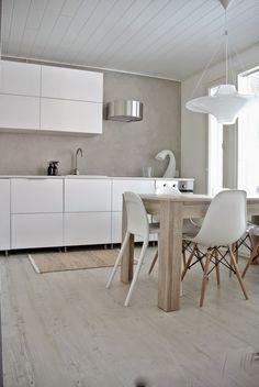 With All My Love: Vihdoinkin! Kitchen Furniture, Kitchen Dining, Kitchen Decor, Kitchen Room Design, Interior Design Kitchen, Minimalist Home, Cool Kitchens, Ikea Hack, House Design