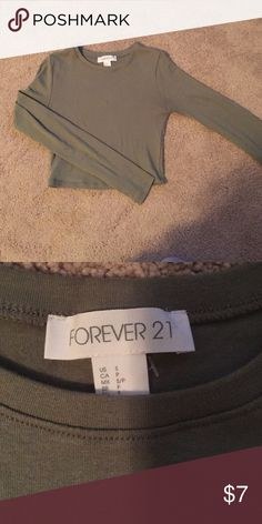 Green forever 21 long sleeve crop top Green long sleeve forever 21 crop top. Size small, great condition, only worn twice. Make offers Forever 21 Tops Crop Tops