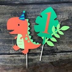 Dinosaur Cake Topper smash cake first birthday Baby First Birthday Themes, Smash Cake First Birthday, Dinosaur First Birthday, 1st Birthday Parties, First Birthdays, Dinosaur Cake Toppers, Dino Cake, Bolo Dino, Ideas Decoracion Cumpleaños
