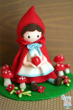 Little Red Riding Hood.Cake topper- Wow, that is really amazing work! Made from fondant.