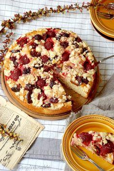Z Chaty Na Końcu Wsi: CIASTO JOGURTOWE Z TRUSKAWKAMI / Yogurth cake with strawberries