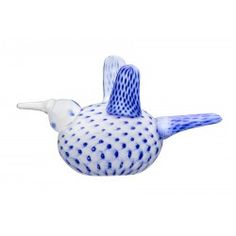 In deep blue and white, the charming Kiuru 2017 Annual Bird from Iittala is a stylish addition to your décor. Wonderfully collectible, each Toikka Bird is a unique, sculpture, beautifully crafted in mouth-blown art glass. Bird Sculpture, Scandinavian Living, Glass Birds, Glass Design, Online Art, Glass Art, Blue And White, Decor, Finland