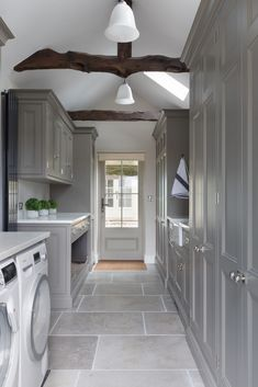 The classic contemporary kitchen project, Sevenoaks, Kent utility room cabinetry… - luxury kitchen Boot Room Utility, Utility Room Storage, Countertop Concrete, Marble Countertops, Utility Room Designs, Utility Room Ideas, Best Kitchen Design, Mudroom Laundry Room, Laundry Room Inspiration