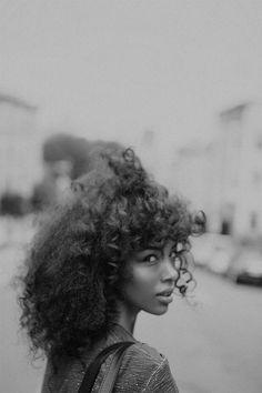 Beauty Inspiration: Coafuri Afro | Revista Civilizatia