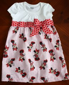 The perfect Minnie Mouse dress for a Disney vacation!
