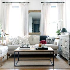 Kleines Wohnzimmer einrichten: So sparst du richtig viel Platz!