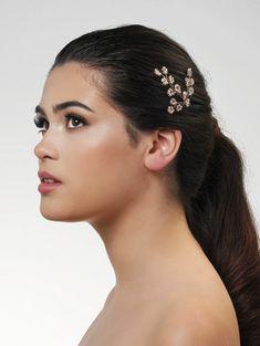 Haarsieraad BB-274 – In White Shop Rose Hair Color, Veil Hairstyles, Hair Jewels, Color Rosa, White Shop, Hair Dos, Bridal Hair, Fashion Accessories, Pearl Earrings