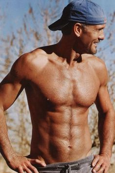 Tim McGraw - Shirtless People Magazine...