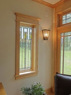 This easy craftsman style window trim requires NO confusing angled cuts, so it's easy for anyone to do, even a beginner, and it makes a HUGE impact. Craftsman Window Trim, Interior Window Trim, Craftsman Interior, Craftsman Style Interiors, Farmhouse Windows, Window Design, Ramen, House Design, Decoration