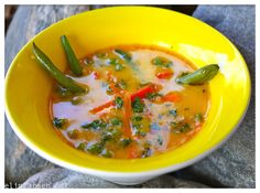 Kremet thaisuppe med kokos. Thai Red Curry, Bacon, Soup, Vegetarian, Net, Ethnic Recipes, Soups, Soup Appetizers, Pork Belly