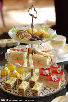 There are lots of yummy looking cakes on this afternoon tea cake stand.