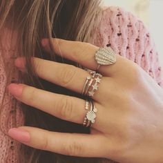 "16 Synes godt om, 1 kommentarer – STINE A JEWELRY (@stineajewelry) på Instagram: ""W E E K E N D VIBES ✨🙌🏻💕Stunning rings in a dance with pink notes💘 #damn #welovethis #omg #silver…"""