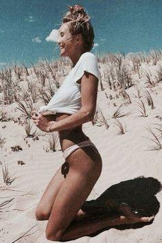 New Photography Travel Beach Summer Vibes 37 Ideas Summer Beach, Summer Vibes, Summer Bikinis, Beach Fun, Retro Summer, White Bikinis, Summer Nights, Poses Photo, Foto Instagram