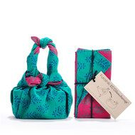 If you can tie two knots, you can transform our Furoshiki ECOlunchwrap into a stylish lunchbag!