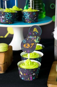 Looking for an out of this world science bash? This Scientist Themed Birthday Party at Kara's Party Ideas is filled with tons of inspiration! 40th Party Ideas, Birthday Party Themes, Birthday Ideas, Girl Superhero Party, Mad Scientist Party, Roller Skating Party, Fireman Party, Race Car Party, Cupcake Party