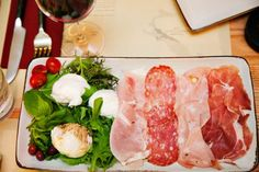 Fond of Italian food, Obika Mozzarella Bar and Restaurant in Roppongi Hills, Tokyo might just be the place for a dining experience. Roppongi Hills, Kids Plates, Mozzarella, Family Meals, Italian Recipes, Tokyo, Cooking Recipes, Restaurant, Dining