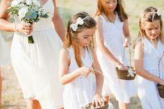 Crianças no casamento. #casamento #meninasdasalianças #vestidos