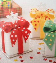 Christmas Mini Cakes