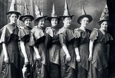 The witches. Brujas.