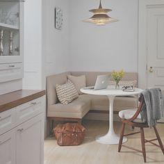 Corner Sofa Kitchen, Kitchen Corner Bench Seating, Corner Bench Dining Table, Kitchen Table Small Space, Dining Sofa, Dinning Room Tables, Dining Room Design, Kitchen Sets, Kitchen Dining