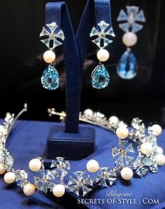 display image of a diamond, aquamarine, and pearl tiara by Chopard - inspired by Cinderella Modern Jewelry, Jewelry Art, Fine Jewelry, Fashion Jewelry, Jewlery, Royal Crowns, Tiaras And Crowns, New Jewellery Design, Family Jewels