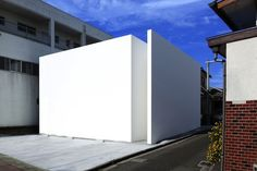 Skim Milk: House T by Tsukano Architect Office