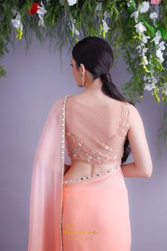 Top 30 Latest And Trendy Blouse Designs For Back Neck Saree Blouse Neck Designs, Silk Saree Blouse Designs, Fancy Blouse Designs, Net Blouse Saree, Indian Blouse Designs, Stylish Blouse Design, Designer Blouse Patterns, Indian Designer Outfits, Fancy Sarees