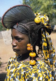 Africa   Peulh girl from eastern Senegal   Postcard image; photo Baïdy Sow. Post stamped 1985.