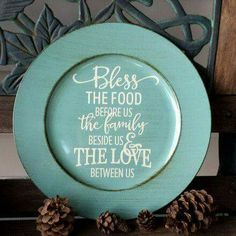 """Decorative Brushed Turquoise Charger Plate """"Bless The Food"""" - Kelly Belly Boo-tique Charger Plate Crafts, Charger Plates, Plate Chargers, Vinyl Crafts, Vinyl Projects, Circuit Projects, Vinyl Art, Silhouette Cameo Projects, Silhouette Design"""