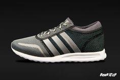 Adidas Los Angeles (CHSOGR/METSIL/FTWWHT) Sizes: 36 to 46 EUR Price: CHF 130.- #Adidas #LosAngeles #SneakersAddict #PompItUp #PompItUpShop #PompItUpCommunity #Switzerland Baskets, Chf, Switzerland, Adidas Sneakers, Unisex, Shoes, Fashion, Moda, Zapatos