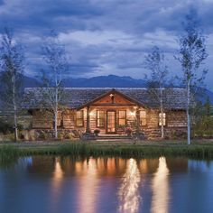 """See inside this dreamy Montana home in our feature article """"Valley Garden Ranch"""" up on the site now! Link in bio! #cowgirlmagazine #iamcowgirl #cowgirlhomes #dreamhome"""