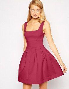 escote cuadrado vestido rosa