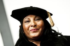 Pam Grier Photos - Pam Grier pose for a photo after receiving a honorary doctorate during a private ceremony before the University of Maryland Eastern Shore's Gala on March 2011 in Princess Anne, Maryland. - 2011 University of Maryland Eastern Shore Gala Foxy Brown Pam Grier, Ed Begley, Photo Ed, Disco Fashion, Black Goddess, Press Tour, Princess Anne, Fun Shots, American Actress