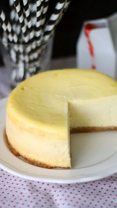 New Yorkin juustokakku // New York Cheesecake Food & Style Annamaria… Baking Recipes, Cake Recipes, Dessert Recipes, Desserts, Buzzfeed Tasty, Star Food, Yummy Eats, Sweet And Salty, Let Them Eat Cake