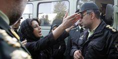 A Téhéran, un groupe d'anonymes a lancé #Gershad, une application collaborative permettant à chaque habitant de signaler sur une carte la position des agents de la police chargée de contrôler le respect des codes vestimentaires #Iran