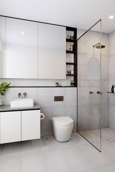 Nichos com prateleiras na parede Bathroom Renos, Bathroom Interior, Modern Bathroom Design, Home Reno, Comfort Zone, Bathroom Inspiration, Vanity, Shower, Interiors