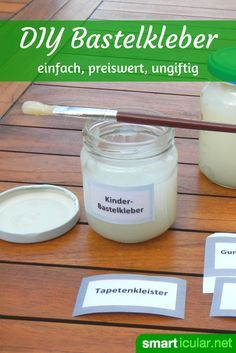 Essbaren Klebstoff zum Basteln für Kinder selbermachen - ungiftig, wasserlöslich und haltbar Do your children like to tinker? With these instructions you can make edible craft glue together. Non-toxic, water-soluble and durable: for endless fun Kids Crafts, Glue Crafts, Diy Home Crafts, Baby Crafts, Fabric Crafts, Simple Crafts, Cork Crafts, Upcycled Crafts, Canvas Crafts