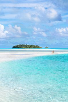 Aitutaki lagoon, Cook Island. Cook Island is a Funny Name. LOL. but anyway is so Peaceful Sea Ocean Blue. ❤