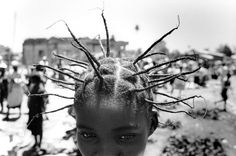 A Moment In Natural Afro Hair History:  Angola. Province of Bié. Kuito    photo by Didier Ruef, 2000