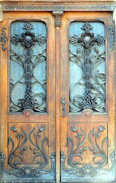 53 New ideas entrance door architecture art nouveau Cool Doors, The Doors, Unique Doors, Windows And Doors, Front Doors, Knobs And Knockers, Door Knobs, Castle Doors, Porte Cochere