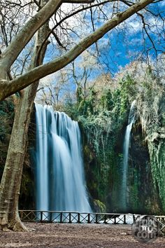 Ways On How To Take Better Landscape Photos Waterfall Wedding, British Overseas Territories, Spanish Speaking Countries, Balearic Islands, Take Better Photos, World Cities, How To Speak Spanish, Cool Landscapes, Spain Travel
