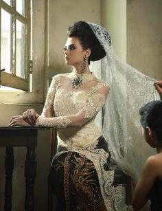kebaya - truly indonesia. Gorgeous lace #wedding dress.